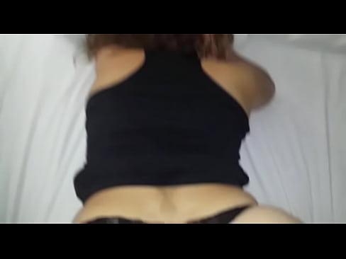 La puta de mi esposa cogida en cuatro patas