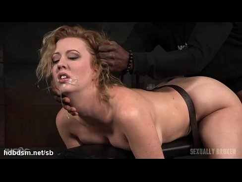 Love the hot blonde gives wet deepthroat hot new