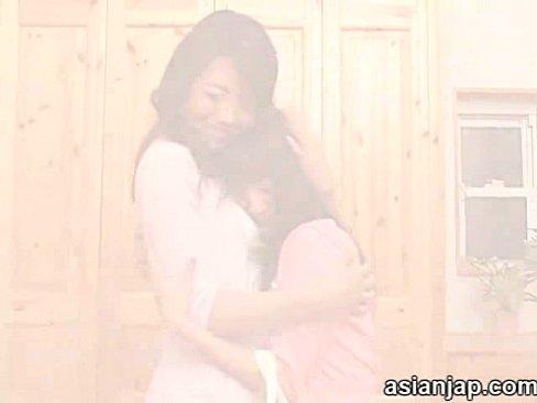 【北条麻紀×みづなれい】娘の親友に美熟女ママが突然のキスで迫り乱らなレ...
