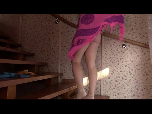 Subindo A Escada E Se Acabando Na Punheta