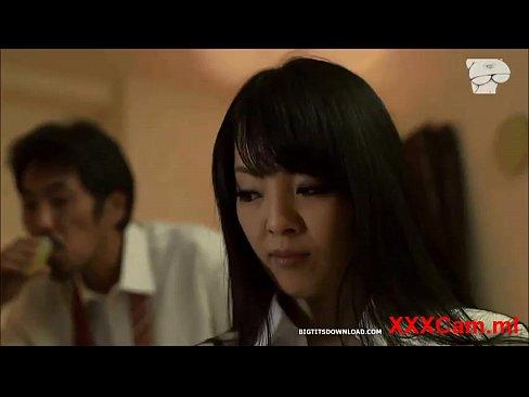 【Hitomi】【Hitomi】とらえられてスイカップがあらわになる...