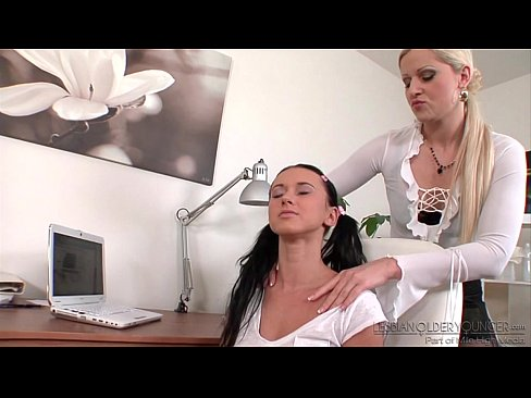 Sandra De Marco and Angelica Kitten Licking Pussies