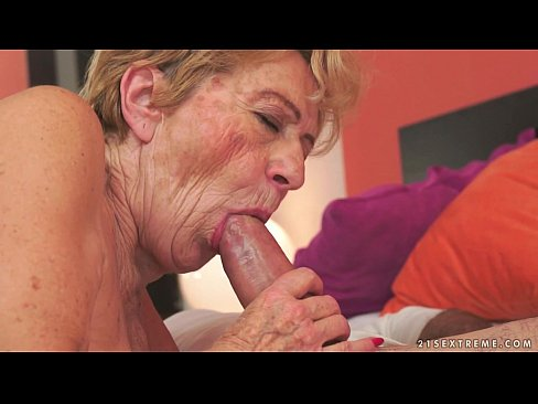 Old granny loves Nia Black's younger pussy