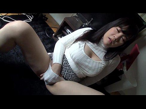 ハメ撮り動画:巨乳で美乳...