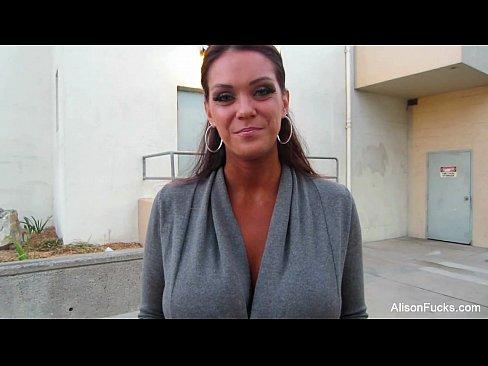 Entrevista Com A Atriz Alison Tyler