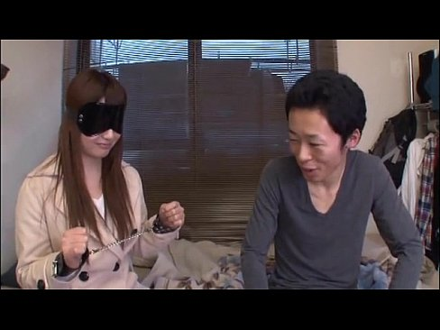 自宅にて、素人の拘束無料エロ動画。目隠し拘束で素人宅へお届け!