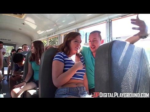 Fututa Intr-Un Autobuz Cu Multa Lume In El Pana Se Termina
