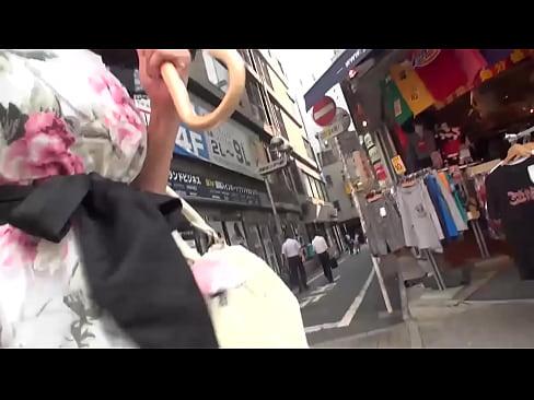 【巨乳・爆乳の熟女・人妻動画】巨乳おっぱいでキュートな女子とキスしながらゴンゴン正常位でマ◯コを突く!