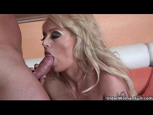 Blonde soccer milf Monica Mayhem puts her cum c...