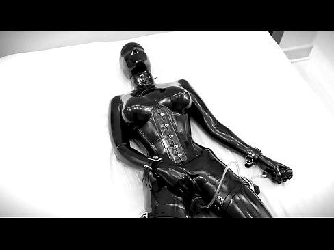 【固定 素人】固定 素人の素人女性の拘束動画。黒の全身固定 素人で束縛された女が電マ固定で放置されて身悶えるマニアック映像!-拘束