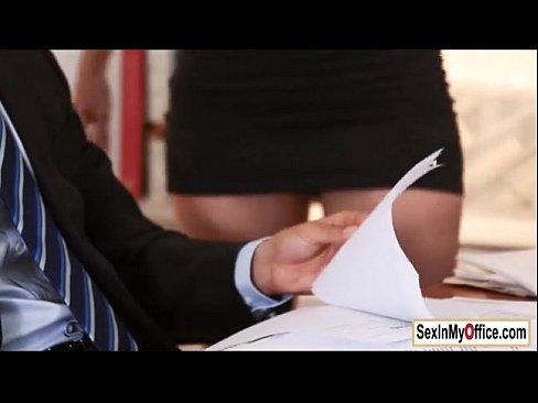 Secretaria Peituda Doida Por Aumento Provoca Chefe Cheio De Tesão E Fode Gostoso Com Ele