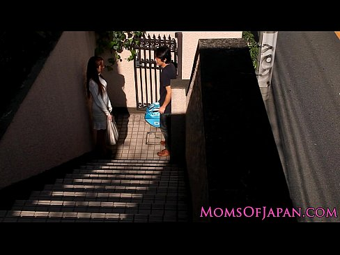 フェラ 巨乳人妻パイズリフェラ抜き  日本人動画|巨乳屋 無料巨乳エ...