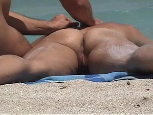 Nude Beach Voyeur Video - Hot Girl Gets Naked Ass Massage On The Beach!