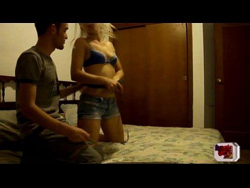 Rubia hermosa cogida en motel