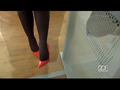 Russian Beauty Kyra Queen in Sexy Foot Fetish POV
