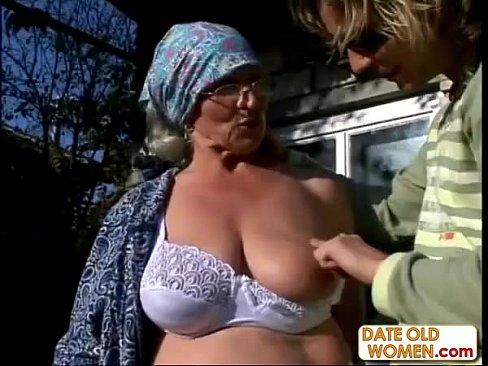 Трахнул пьяную бабушку смотреть онлайн фото 437-835