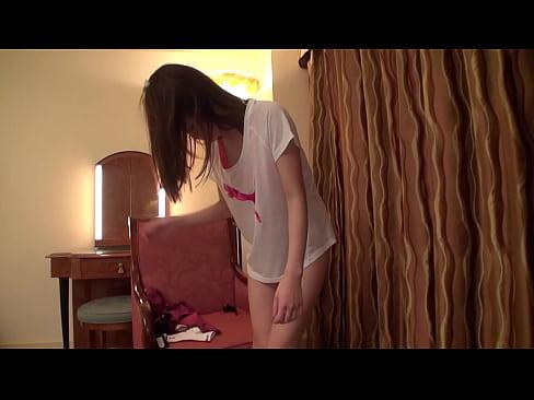 【無料エロ動画】アラサーな秘書のガリボディーを美味しくいただきました...
