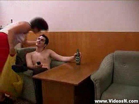 Фото сын раздел пьяную маму фото 297-373