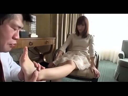 【杏咲望】足フェチ変態オヤジが美脚ベロベロ脚見オナ射精