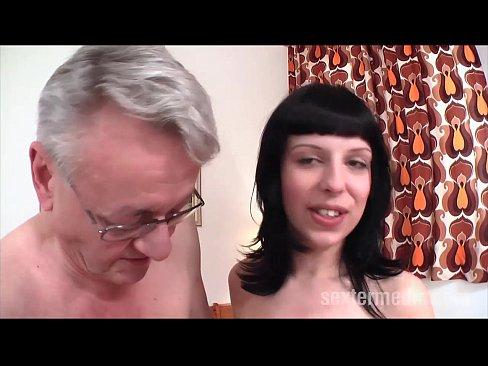 Phim sex ông già chịu chơi thích đụ gái trẻ
