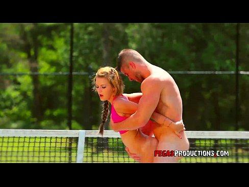 Casal Fodendo Depois Do Jogo De Tênis