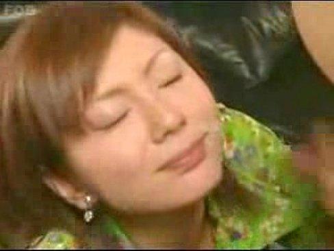 【麻美ゆま】チャイナドレス着衣な麻美ゆまのおしゃぶりチオ&乳挟み&手...