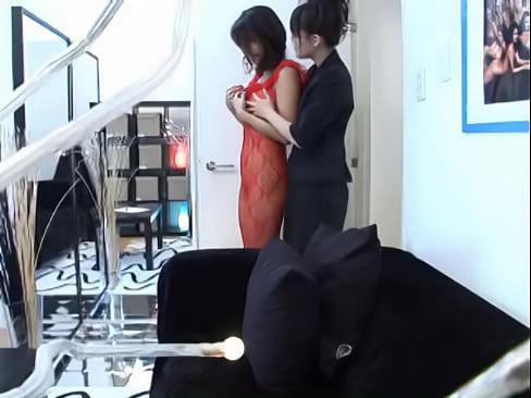 ノーパンの熟女の騎乗位無料jukujyo動画。美熟女のレズプレイ!