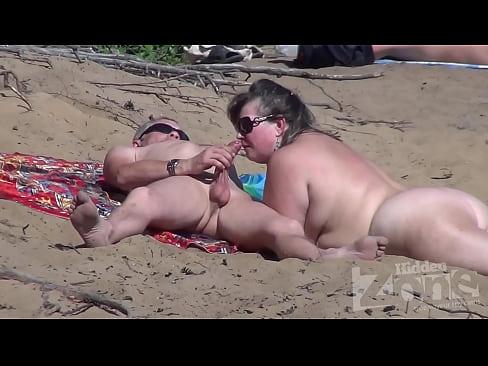 Numa Praia Nudista
