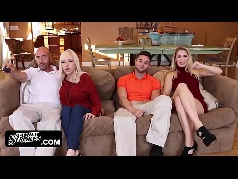 Doua Cupluri Isi Vad De Viata Lor Si Fac Sex In Grup In Familie