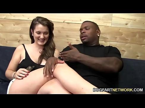 Eden young adora ser fodida por um cara negro