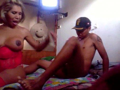 peruanas chibolas follando gay oral