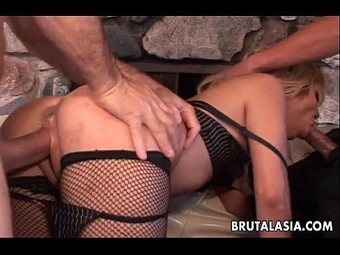 Asian slut in an anal threesome