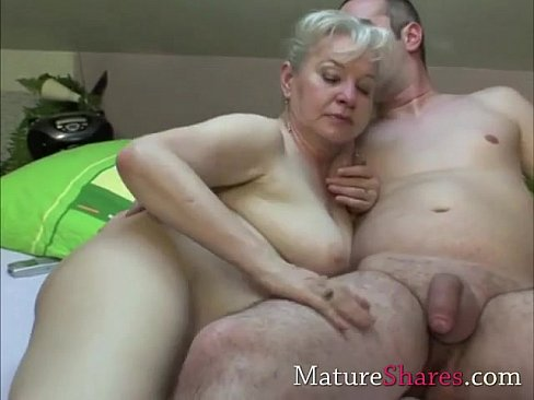 granny porno pics Get atracted by red bra and straps, covering big mature tits?