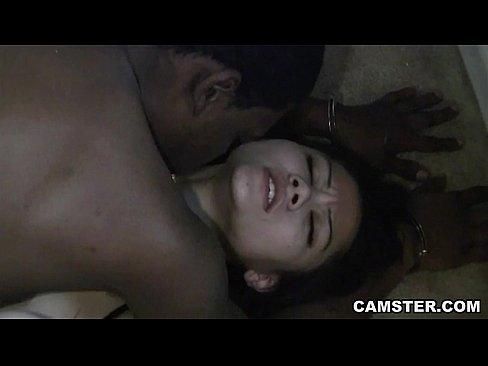 Asiatica e uma prisioneira sexual