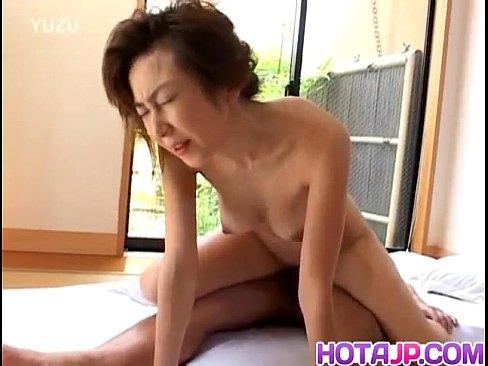【無修正】和服の五十路熟女ペニスを嬉しそうにくわえ絶頂アクメセックス!xvideos - 人妻熟女動画じゅくじょる