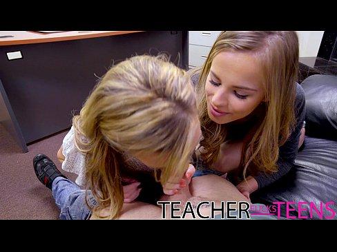 Garotinhas Da Escola Tendo Orgasmo Com Pirocudo E A Professora