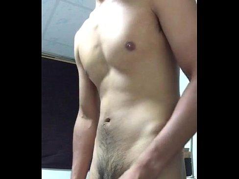 Tocando bronha na webcam