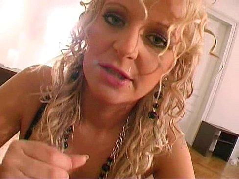 Blonda Creata Suge Pula Desi Are 50 De Ani De Casnicie
