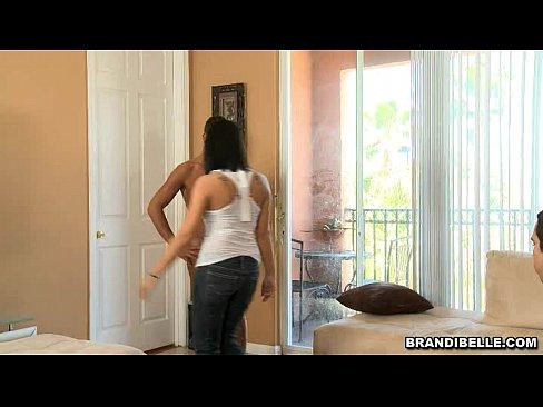 Novinha fudendo com negao pra agradar namorado