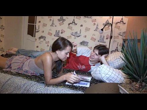 Сексдва мужика мнут и целует сиськи одной телке фото 410-805