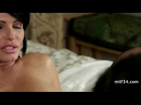 Stressed out MILF with a SEXY body gets a happy ending massage