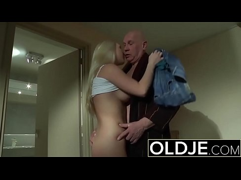 Horny Morning Sex Old Young Porn Girlfriend get...