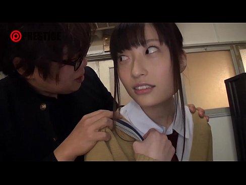 【JK動画】男子部員たちのチンポの世話までさせられる美人女子マネージャー!