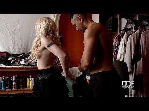 Russian sex addict Lola Taylor Double Penetration doll Fetish