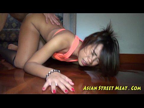 Garota de Bancoque fazendo sexo por dinheiro
