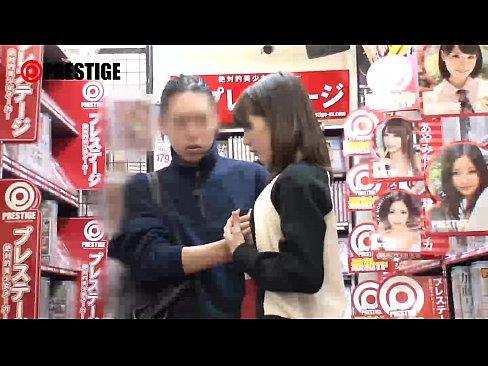 ビデオレンタル屋さんの鈴村あいりちゃんが痴女すぎる
