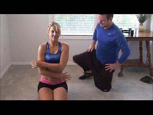 Dupa O Sedinte De Yoga O Pizda Face Si O Sedinta De Futut Cu Antrenorul Ei