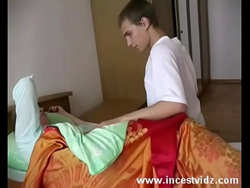 Сын дал в рот спящей матери фото 188-787