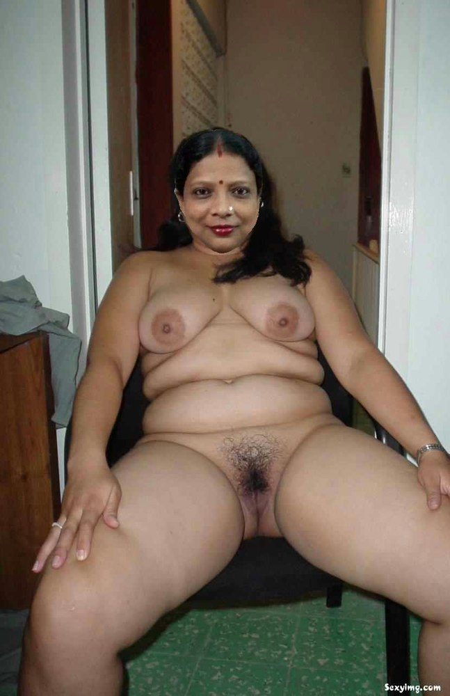 chubby-mexican-female-naked-night