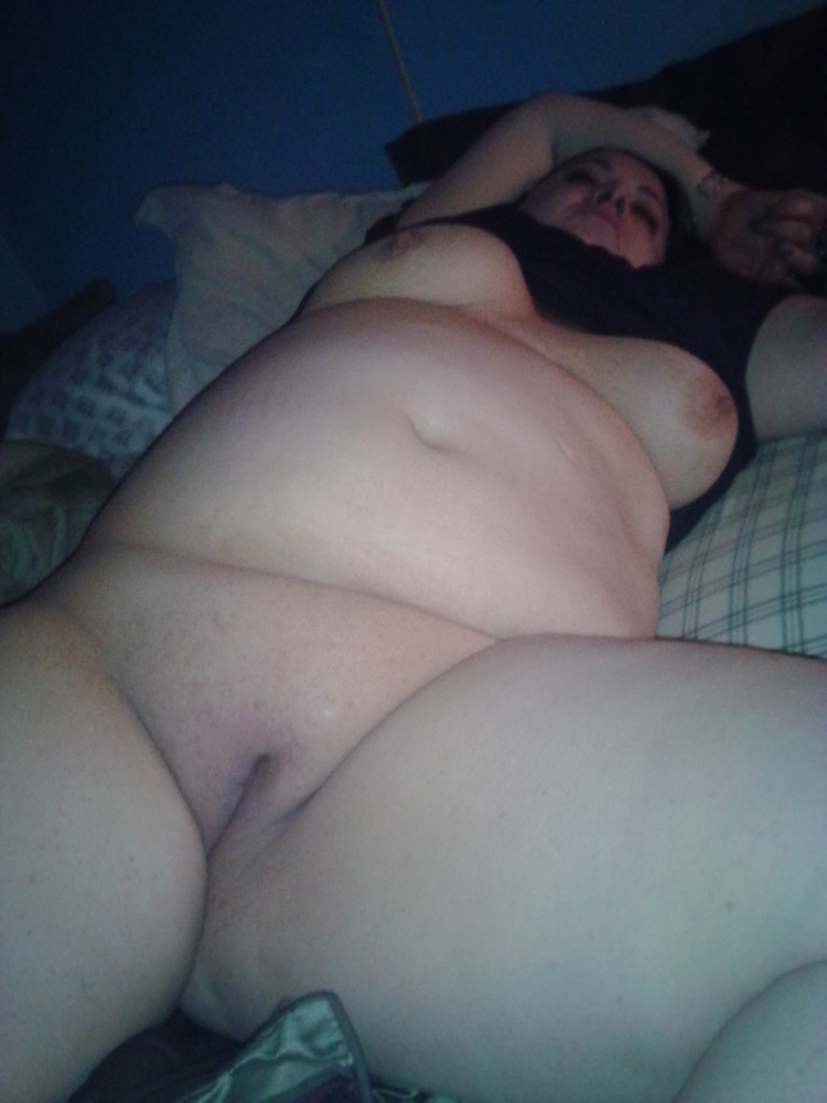 fat-naked-girl-passed-out
